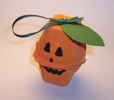 Lavoretti per halloween la zucca di halloween mamma felice for Zucca di halloween fai da te