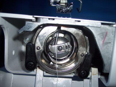 Macchina da cucire come bloccare la bobina inferiore for Macchina da cucire toyota