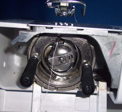 Macchina da cucire come bloccare la bobina inferiore for Macchina cucitrice