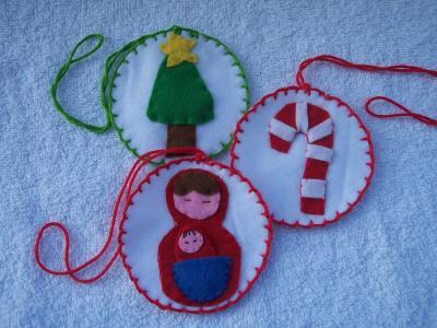 Decorazioni di Natale: medaglioni di pannolenci