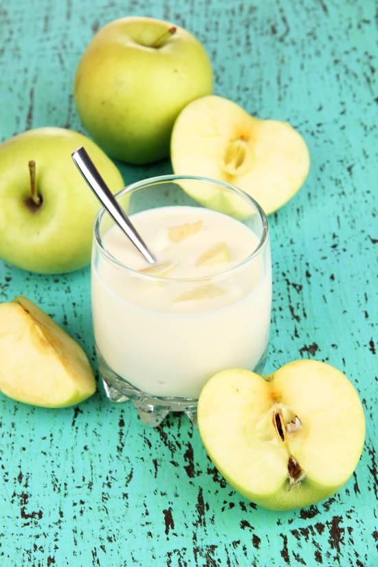 ricetta-svezzamento-yogurt-frutta-frullata-omogeneizzato