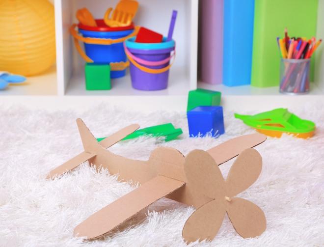 giocare-con-cartone-riciclato