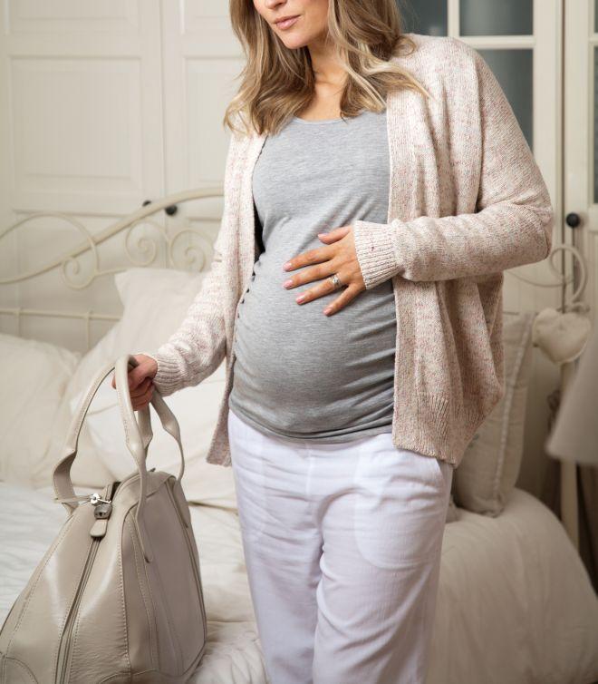 Ottavo mese la valigia per l 39 ospedale mamma felice - Lista di cose da portare in ospedale per il parto ...
