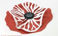 papavero realizzato con tecnica del papercut