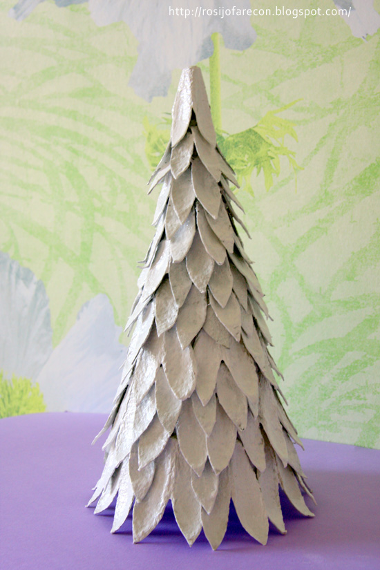 albero-natale-riciclato
