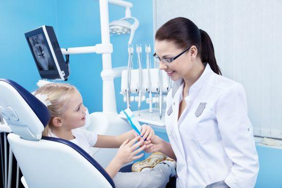 A che età fare la prima visita dentistica ai bambini?