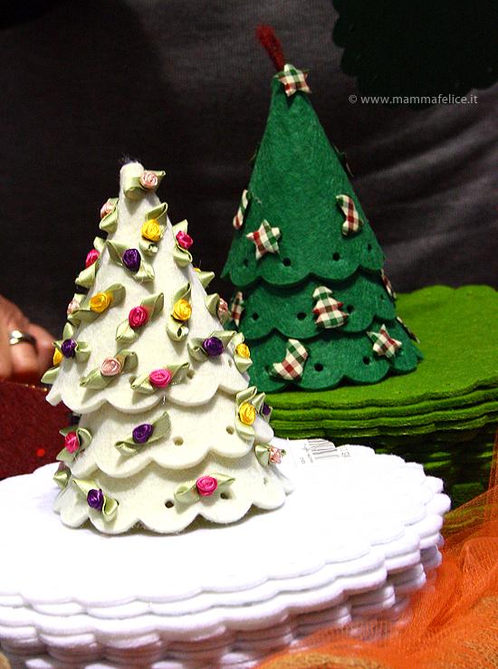 Regali Di Natale In Pannolenci.Alberi Di Natale In Feltro Mamma Felice