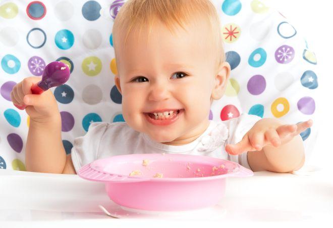 svezzamento-autonomie-bambini-quando-dare-cucchiaio