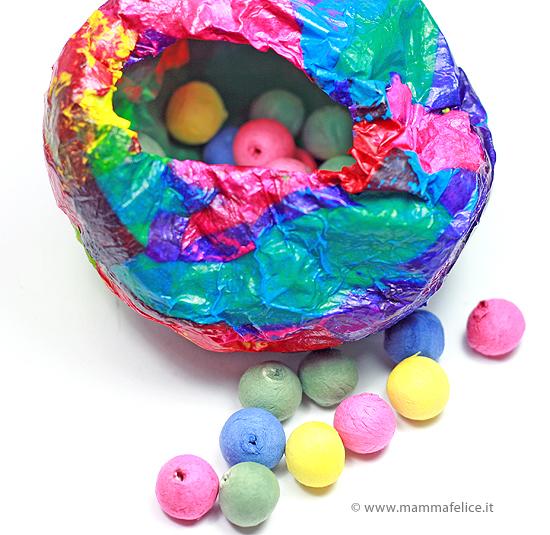 uovo-pasqua-cartapesta-palloncino