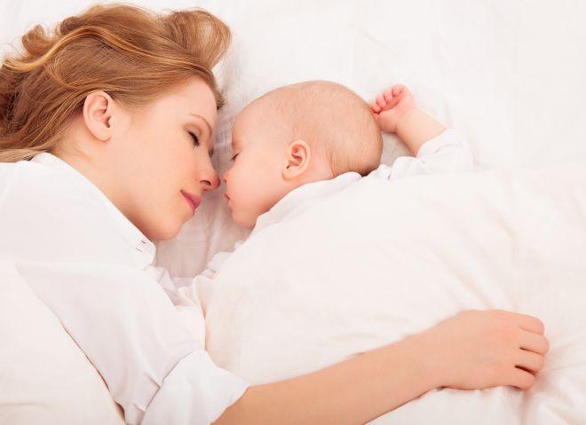 corretto-attaccamento-bambino-allattamento