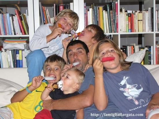 famigliallargata.com