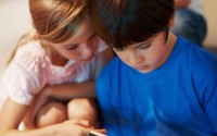 quante ora per tv e videogiochi ai bambini?