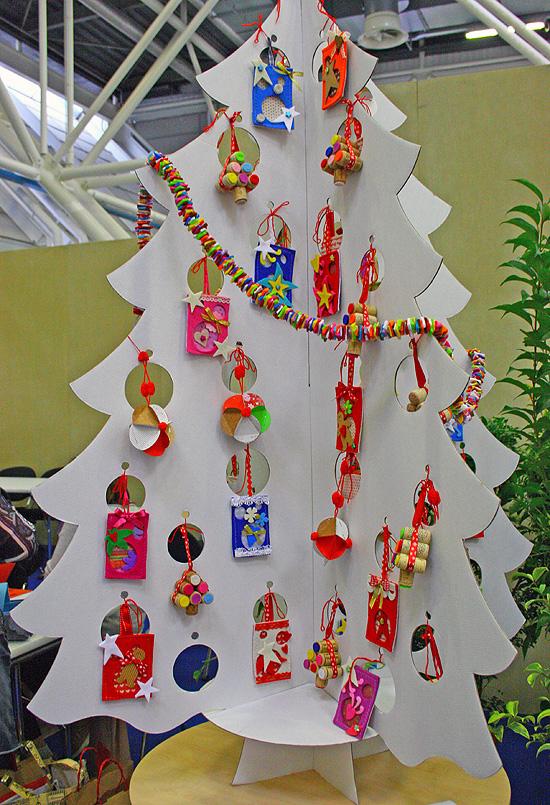 Decorazioni di natale con materiali di riciclo mamma felice - Decorazioni di natale con materiale riciclato ...
