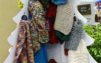 albero-natale-sciarpe-amicizia-UNICEF