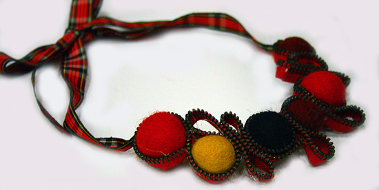 collana-feltro-cerniere