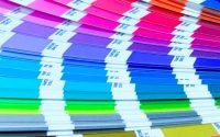 Come abbinare i colori nel vestirsi