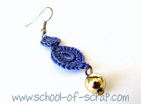 orecchini uncinetto con due dischetti e una perlina
