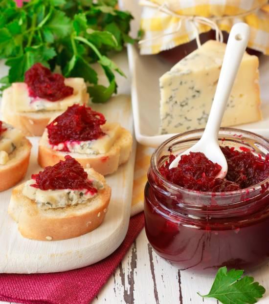 aperitivo-formaggi-composte-marmellate