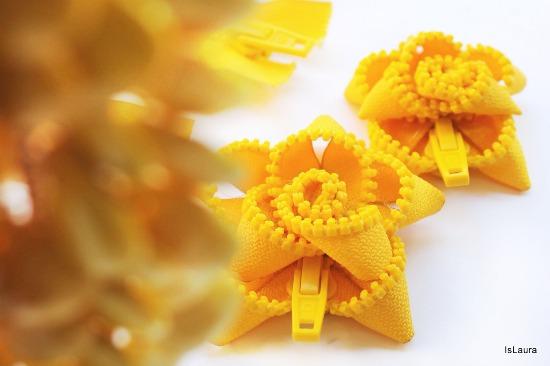 fiore spilla di cerniera