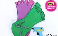 piedi di Hulk in cartone e piede grande bimba rosa