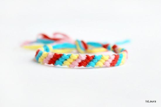 braccialetto-semplice-amicizia-a-macrame-come-fare