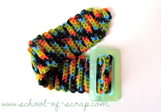 Uncinetto facciamo il braccialetto con la fibbia (3)