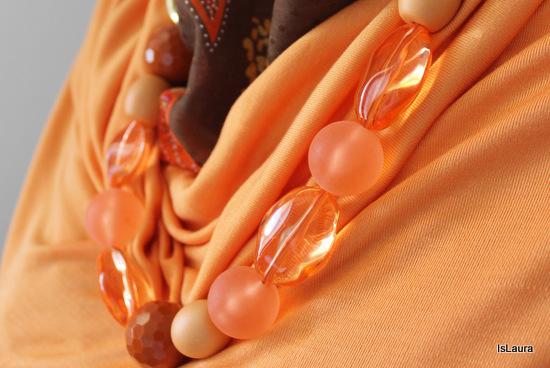 collana realizzata con 2 maniglie per borse