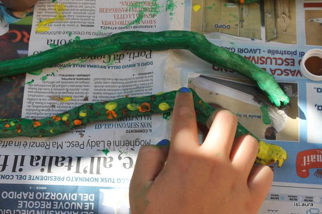 Step 3 legnetti dipinti che diventano serpenti. Lavoretto autunno