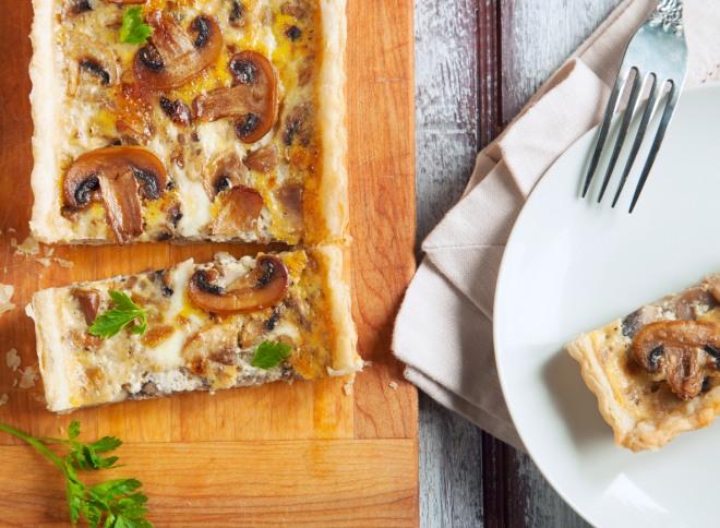 crostata-asparagi-funghi-champignons-rucola-fontina