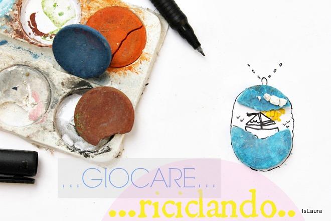 disegnare con fantasia riciclo acquerelli rotti colore azzurro barca mare deventa ciondolo