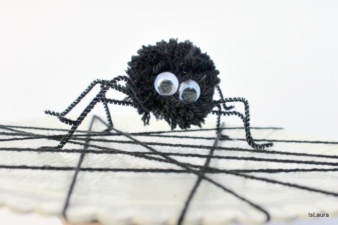 Comerealizzare ragnatela e ragno di pompon halloween