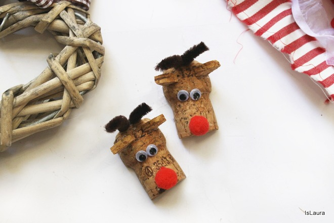 Lavoretti di Natale  renne calamite riciclando tappi di sughero