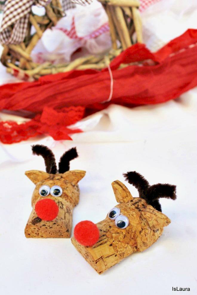 Realizzare renne calamite riciclando tappi di sughero nettapipe pompon e occhietti mobili