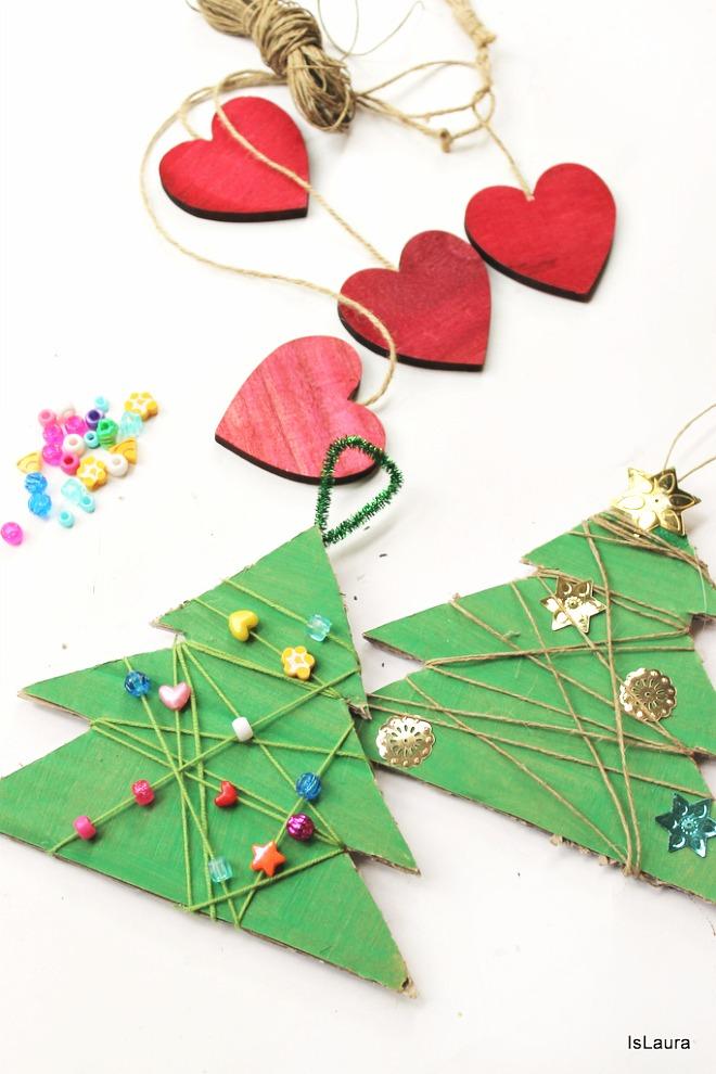 Tutorial-alberi-di-Natale-con-cartone-lana-perline-e-paillettes.