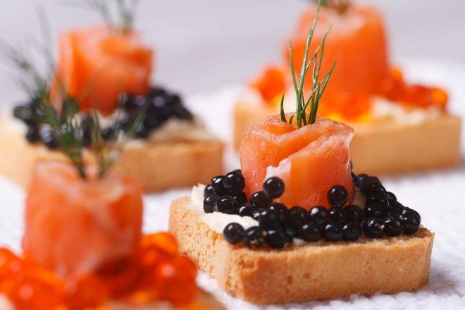 menu-natale-tartine-panettone-salmone-uova-di-lompo