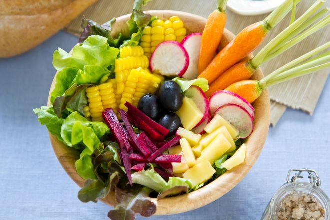 pinzimonio vegano vegetariano con barbabietole