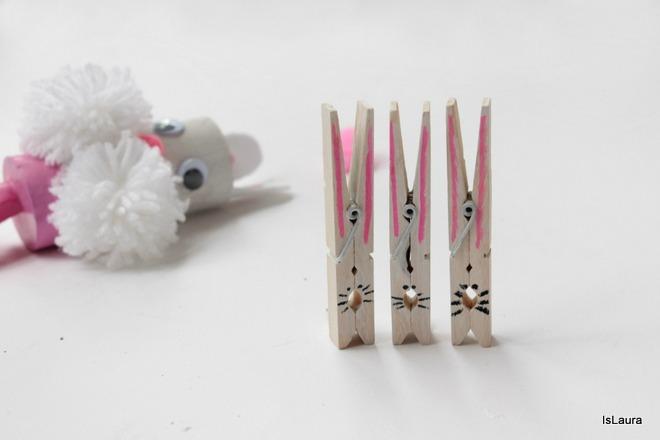 Coniglietti-con-le-mollette-di-legno
