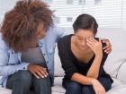 Depressione post partum: come si svolge la terapia?