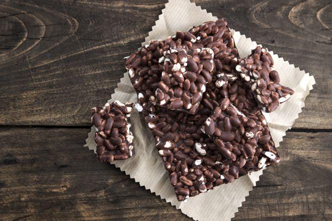 dolci-senza-cottura-barrette-cioccolato-riso-soffiato