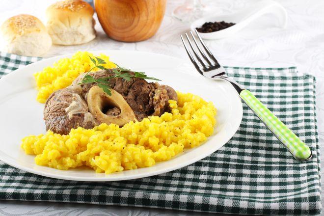 ricette-tradizionali-lombarde-risotto-giallo-con-midollo