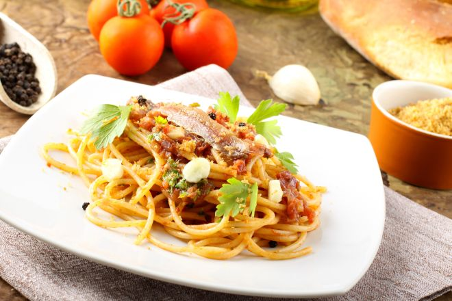 ricette-tradizionali-molisane-spaghetti-con-alici