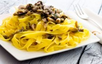 ricette-tradizionali-toscane-tagliatelle-ai-porcini