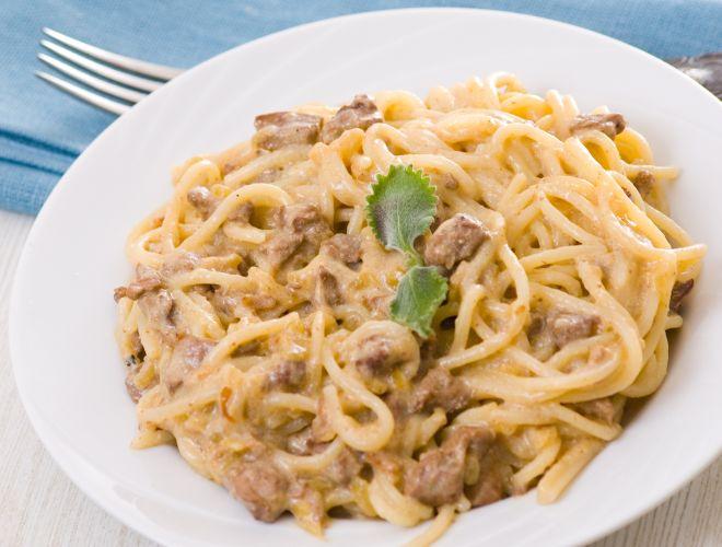 Spaghetti umbri alla norcina con salsiccia mamma felice for Ricette spaghetti