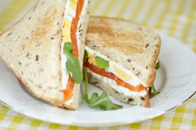 toast-al-salame-arrosto-ricetta