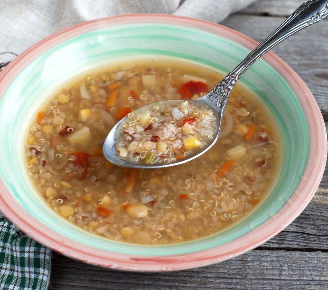svezzamento-9-mesi-minestrina-quinoa-e-verdure
