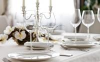 come-assegnare-posti-a-tavola-apparecchiare-galateo-cena-elegante