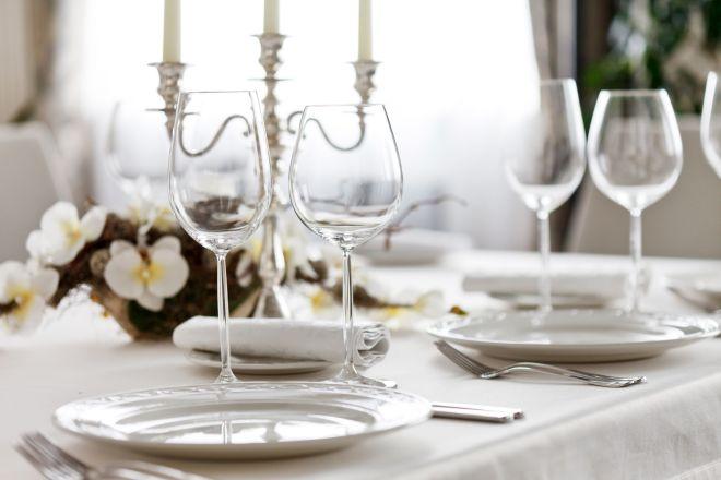 Come assegnare i posti a tavola mamma felice - Apparecchiare una tavola elegante ...