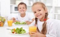 come-insegnare-regole-di-rispetto-buone-maniere-ai-bambini