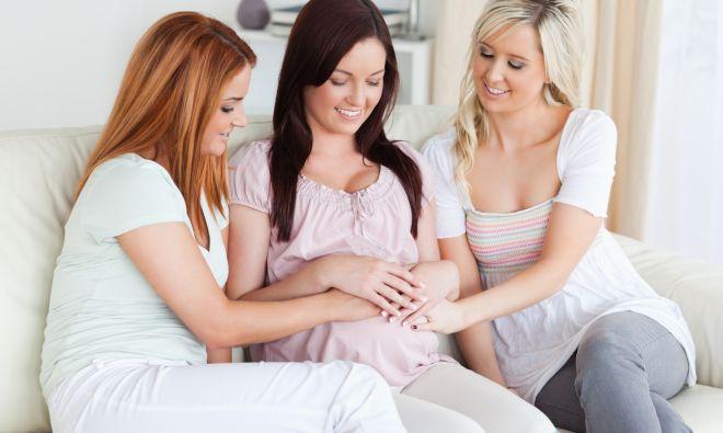 cosa-non-chiedere-mai-a-una-donna-in-gravidanza-galateo-bon-ton