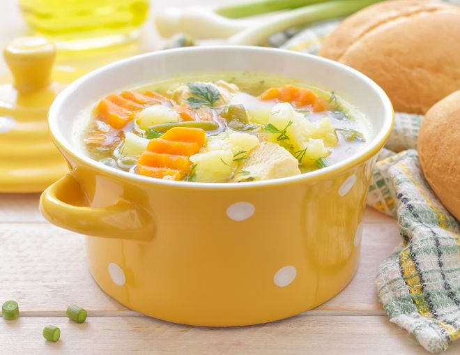come-fare-brodo-pollo-verdure-facile